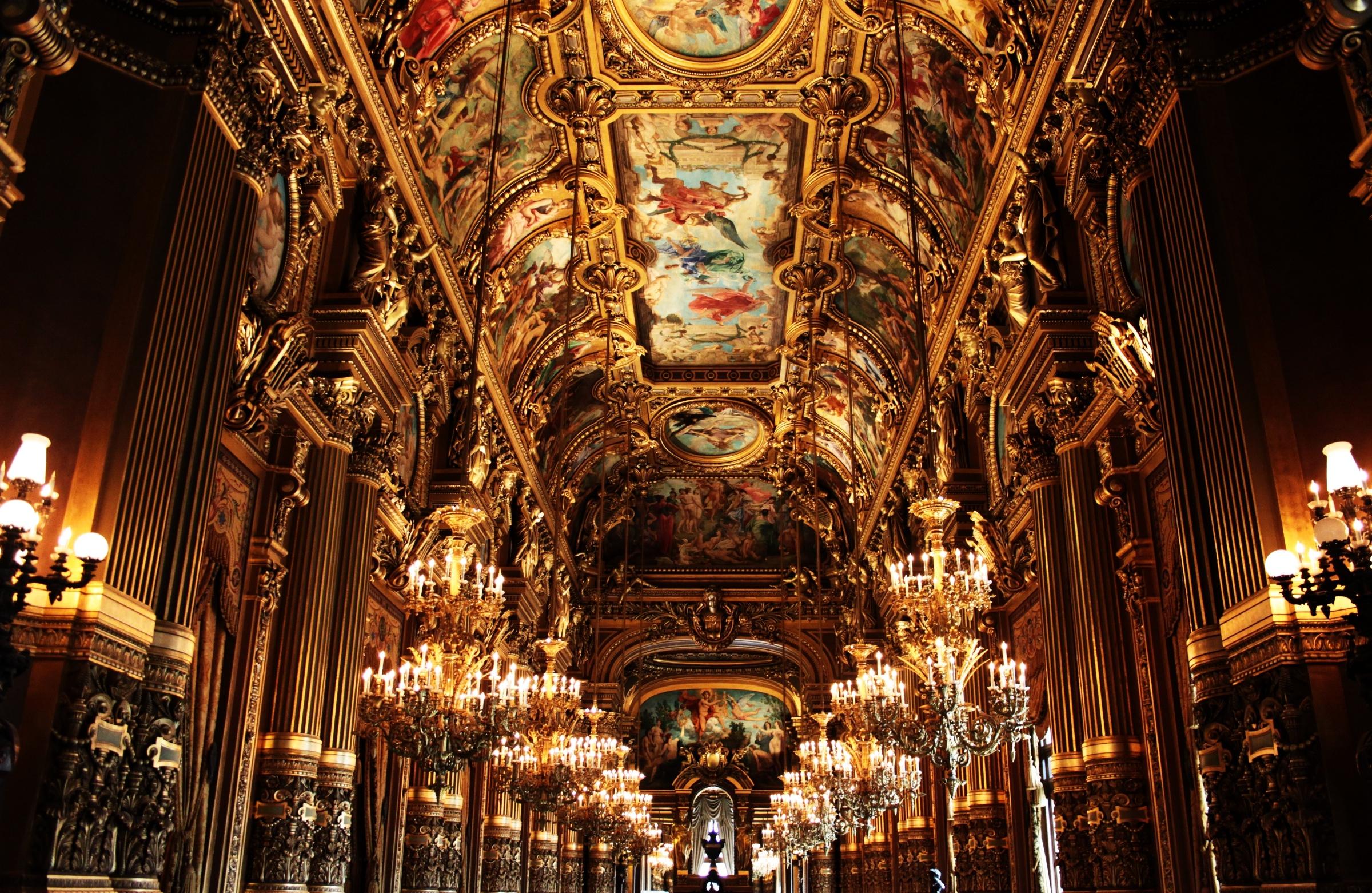 Zapowiedź serii o Francji. Sala paryskiej opery.