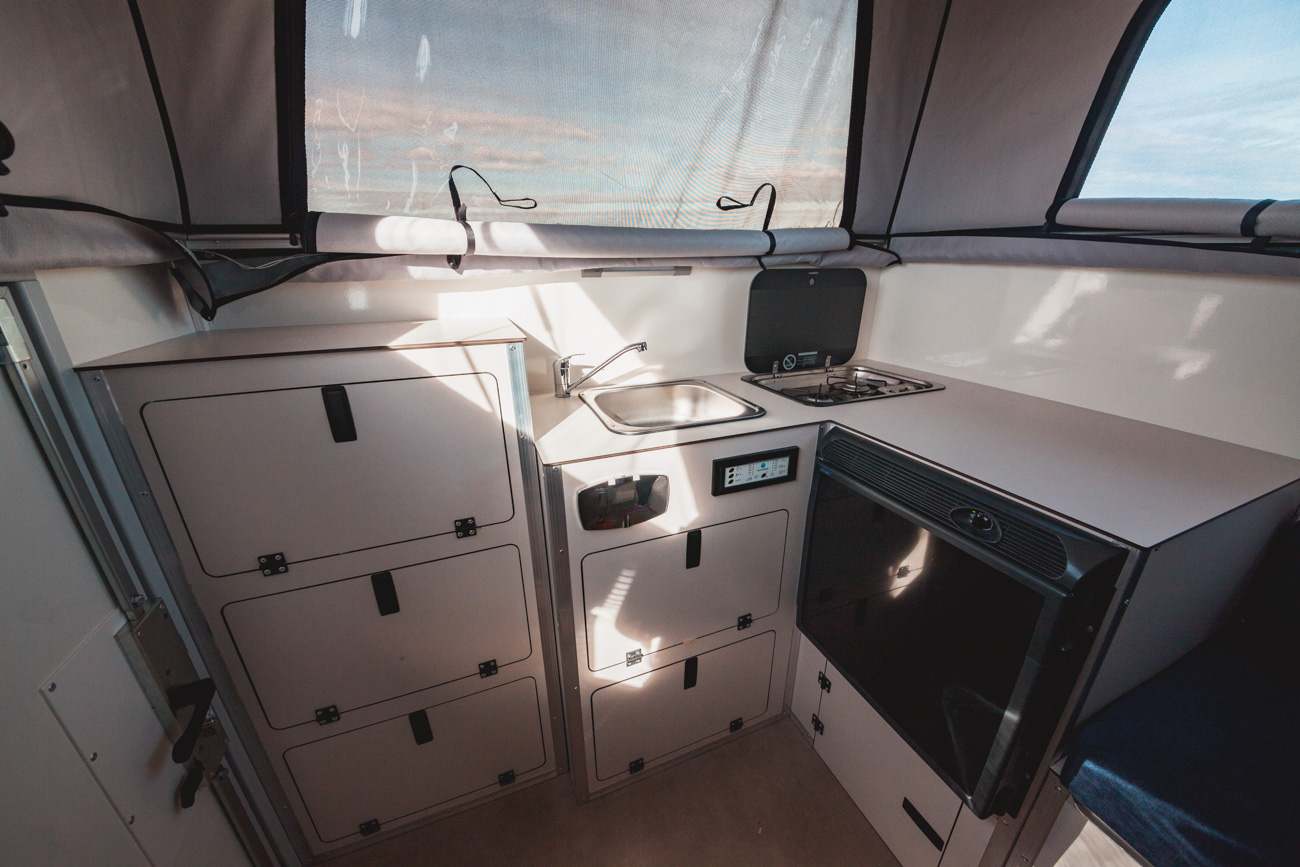 Ford Ranger Globe Camper wnętrze