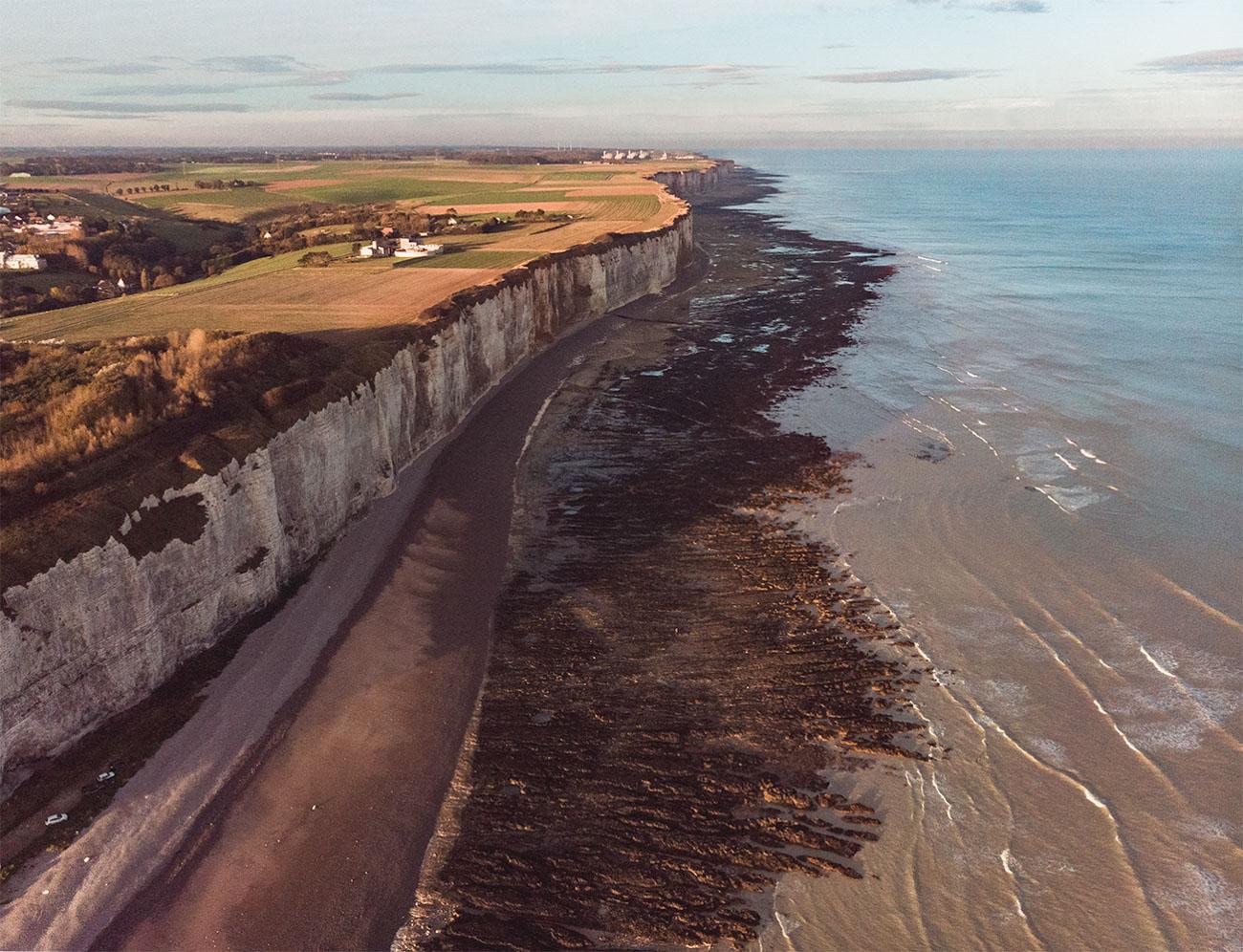 Francja Normandia wybrzeże klifowe